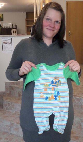 Jacky 013 319x544 - Babykleidung von Jacky
